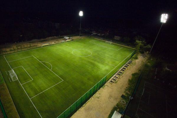 Boisko piłkarskie w Łomiankach