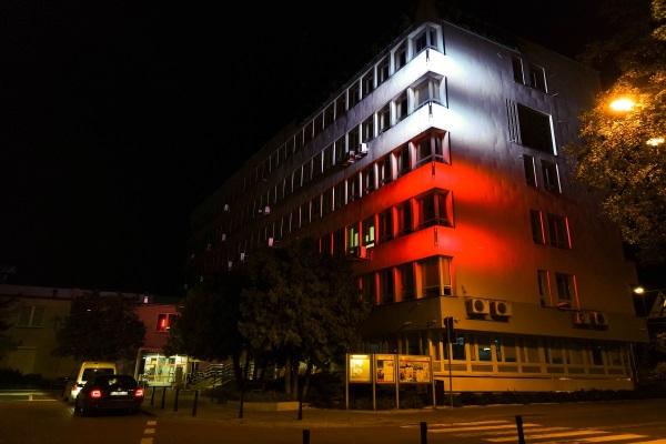Oświetlenie budynku Dzielnicy Miasta Warszawa Wawer